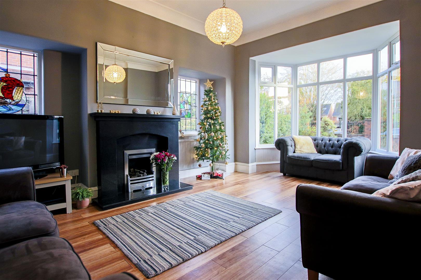 4 Bedroom Detached House For Sale - 3.jpg
